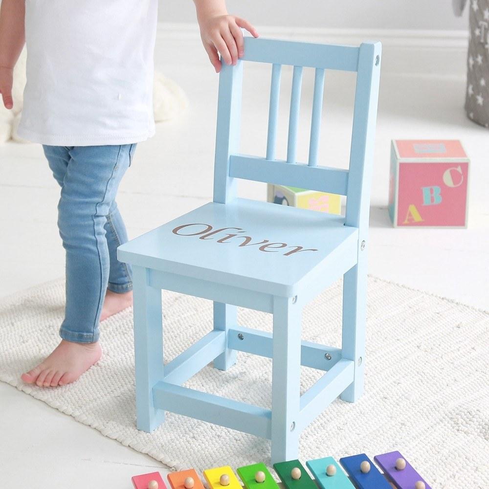 blauwe-stoel-met-naam